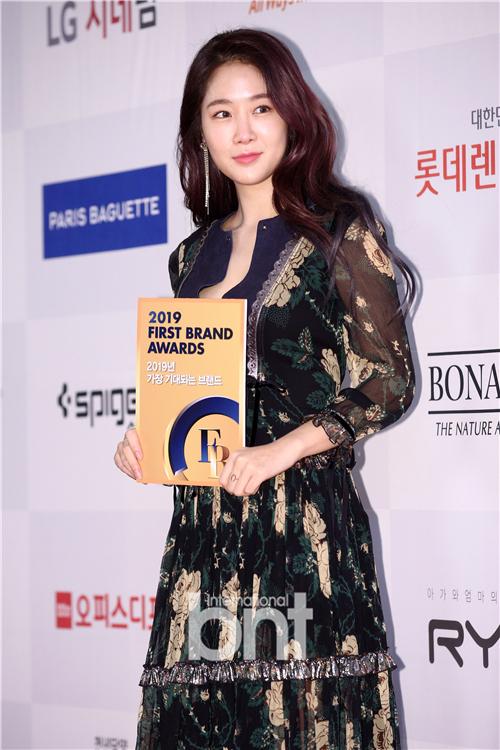 《2019 FIRST BRAND AWARDS》举行 昭宥郭东延张度妍等出席
