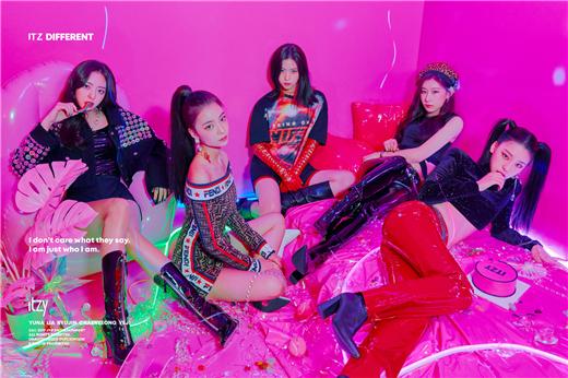 JYP新组合ITZY五人完整体预告照正式公开