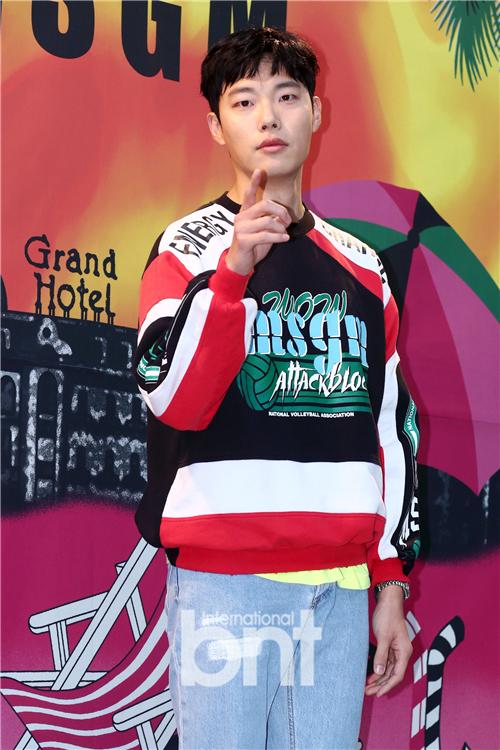 柳俊烈韩惠珍等出席活动 展示时尚达人魅力