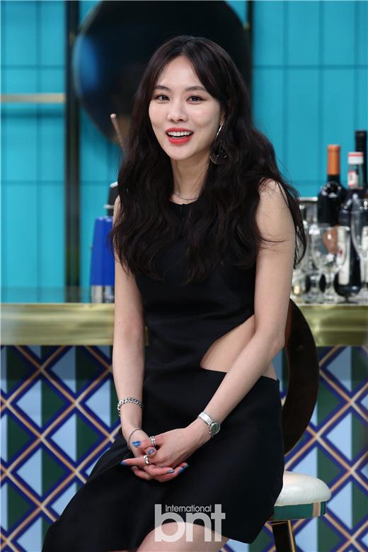 王霏霏Blanc Dubu等出演SBS Mobidic新概念美妆节目《bar Persona》