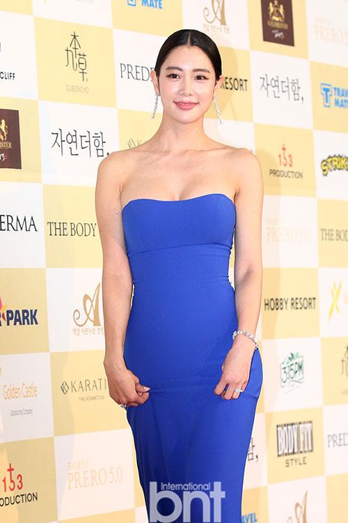 第24届春史电影节众星出席 祝贺韩国电影100周年纪念