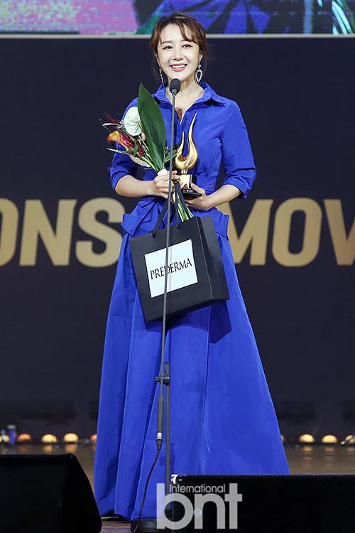 第24届春史电影节众星出席 李依晓摘获海外交流演员特别奖