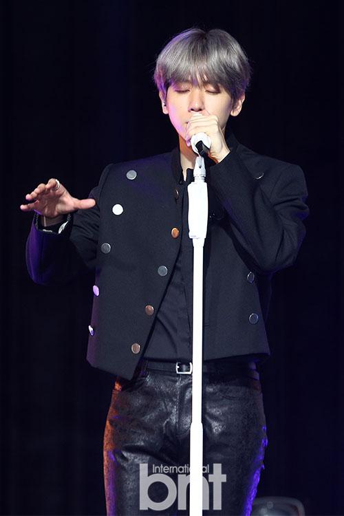 伯贤《City Lights》创Gaon个人专辑月销量纪录