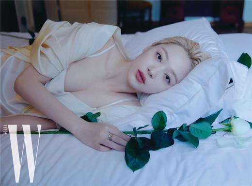 雪莉《W korea》最新写真照曝光