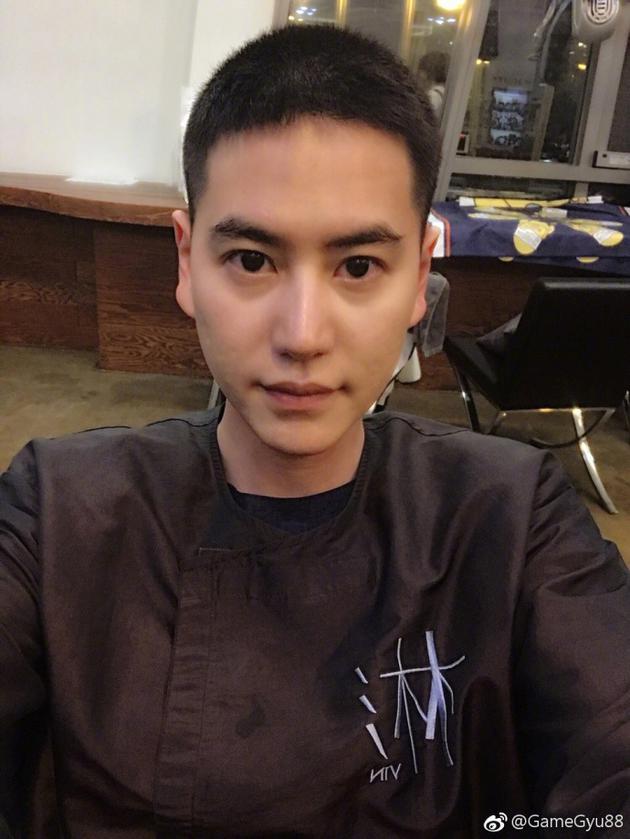 Super Junior曺圭贤晒入伍前短发照片