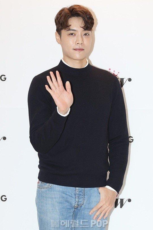 歌手Eddy Kim预计将于六月回归