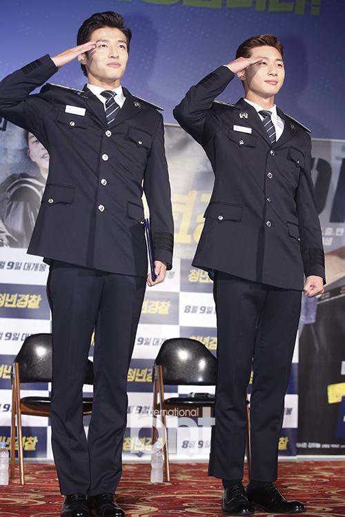 《青年警察》举行发布会 朴叙俊姜河那帅气亮相