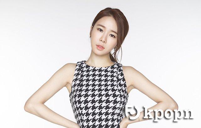 刘寅娜(刘仁娜)将于8月30日台湾参加法国品牌LONGCHAMP新品上市酒会