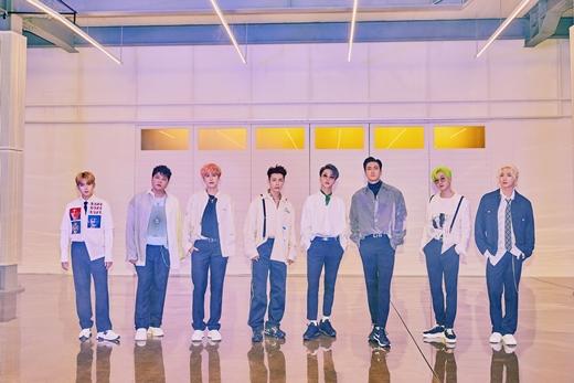 Super Junior纪念出道14周年 发行正规9辑特别版专辑《TIMELINE》