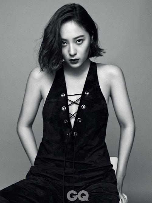 郑秀晶为时尚杂志《GQ》拍摄最新写真 并被评为年度女性