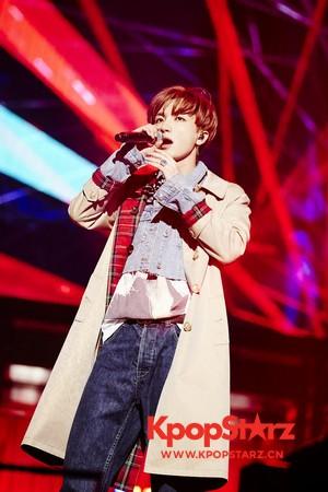 利特演唱会逐个叫成员名字示爱13人SJ 韩庚在列粉丝飙泪