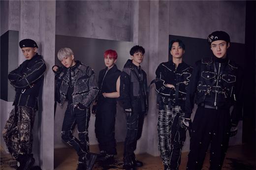 EXO第六张正规专辑《OBSESSION》夺11月专辑榜第一