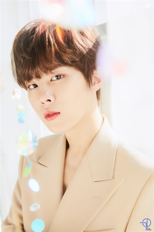 金宇硕被选为化妆品代言人 品牌首位男性模特