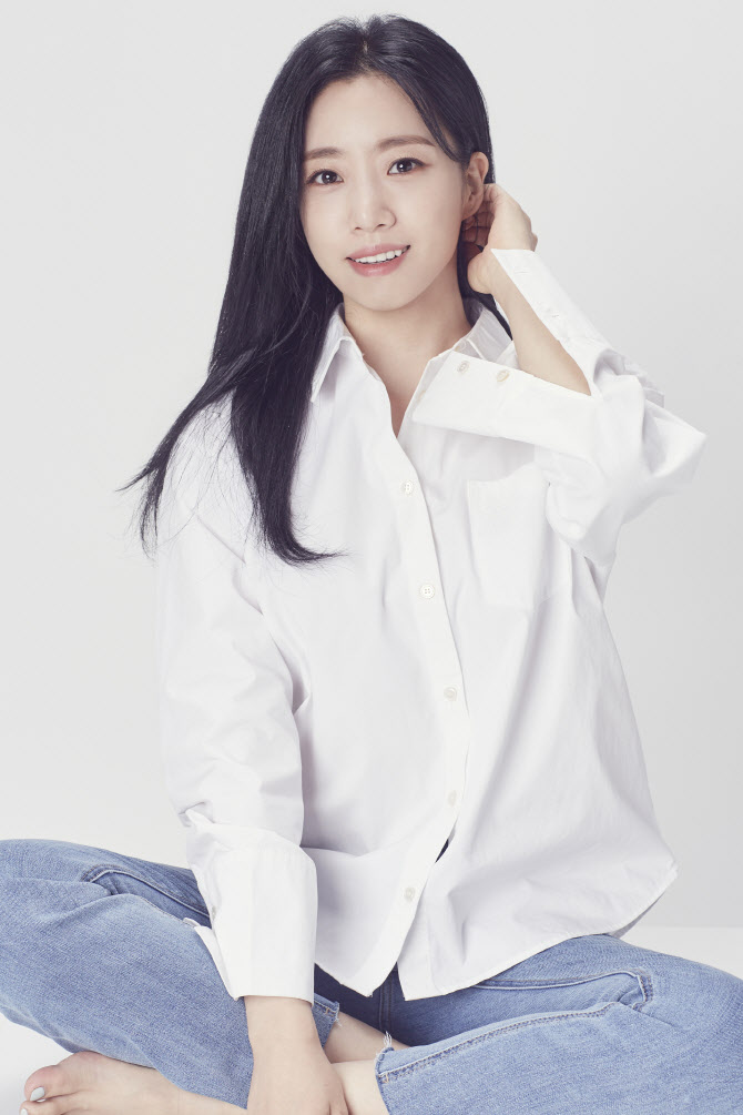 T-ara咸恩静与新生所属社Cabin74签订了专属合约